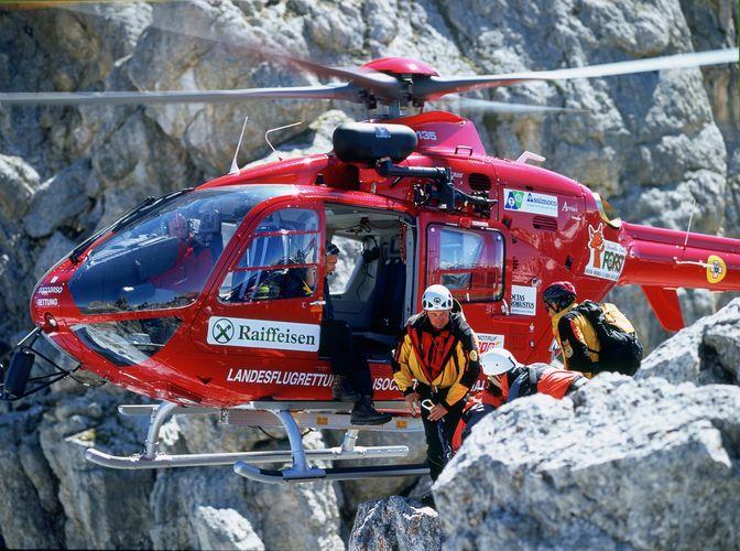 soccorso alpino aiut alpin dolomites