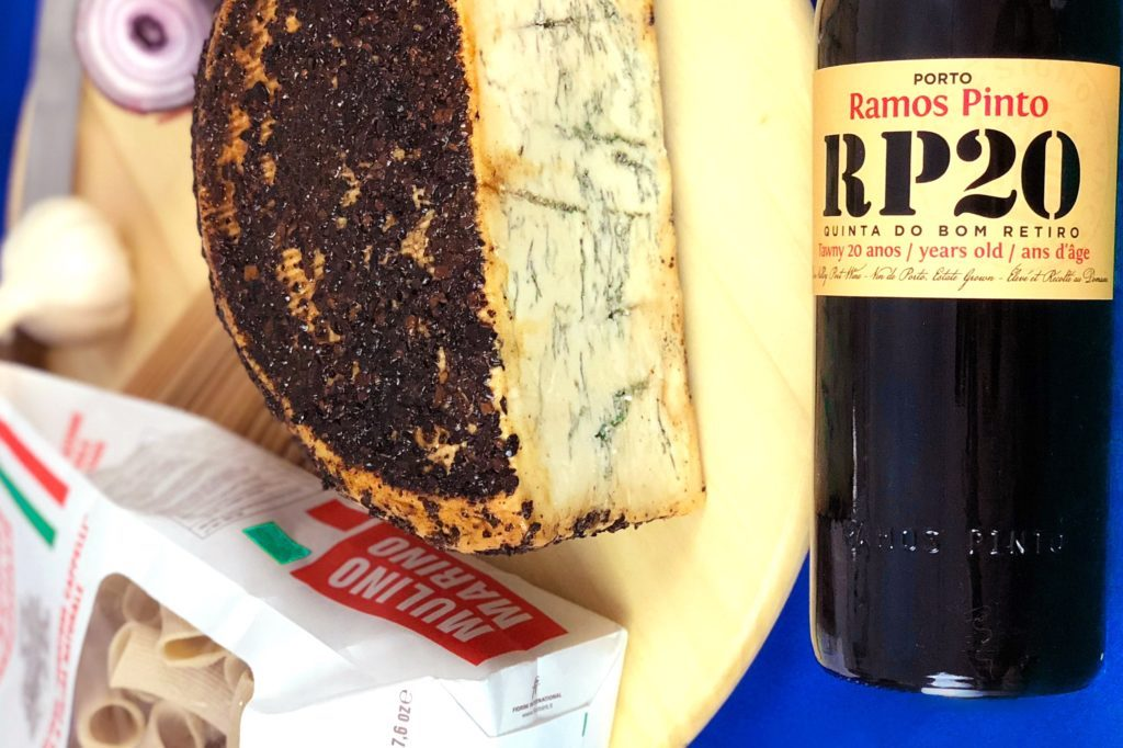 formaggio pasta vino